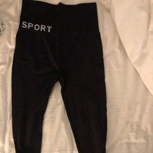 Dkny Pants - Black workout pants, 3/4 length DKNY size small